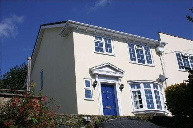 1 Bedroom Flat for sale in Seymour Road, Knowles Hill, Newton Abbot, Devon. TQ12 2PU