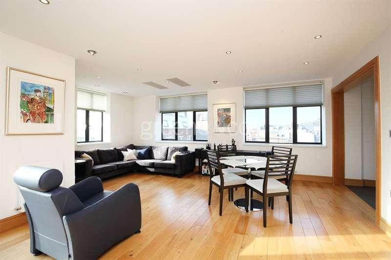 3 Bedrooms Flat for sale in Kinetic House, 44 Hatton Garden, London, EC1N
