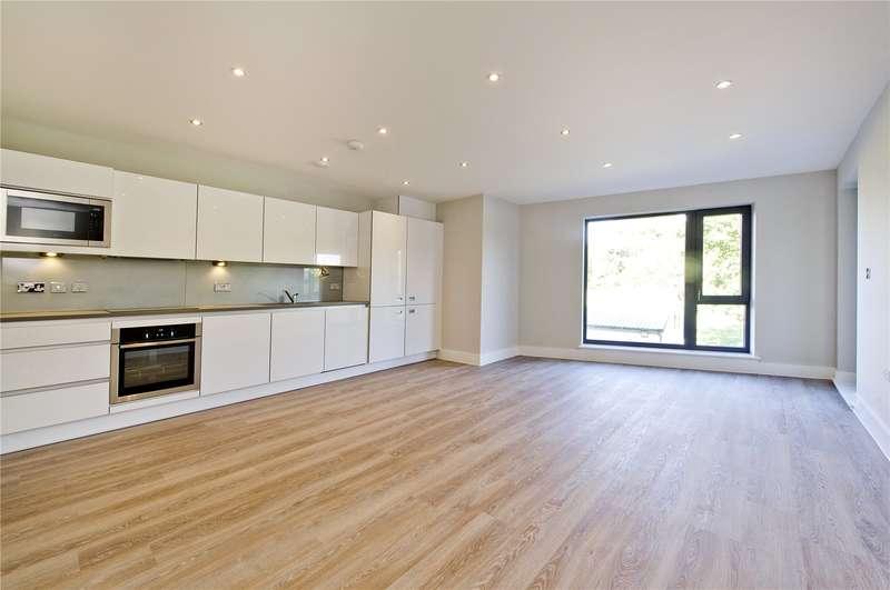 2 Bedrooms Flat for sale in St Margarets Waterside, Railshead Road, TW7