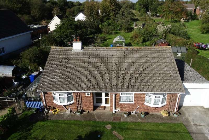 3 Bedrooms Detached Bungalow for sale in Turnpike Lane, Red Lodge, IP28 8LF