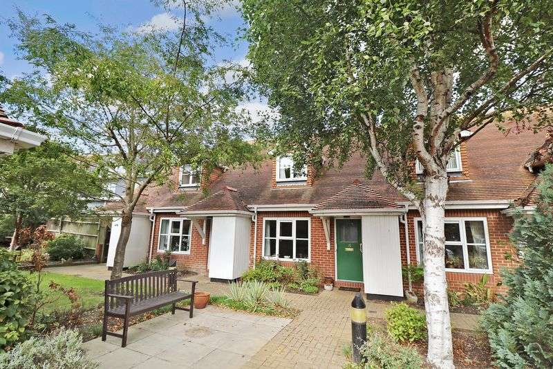 2 Bedrooms Retirement Property for sale in William Gibbs Court, Faversham, ME13 8RP