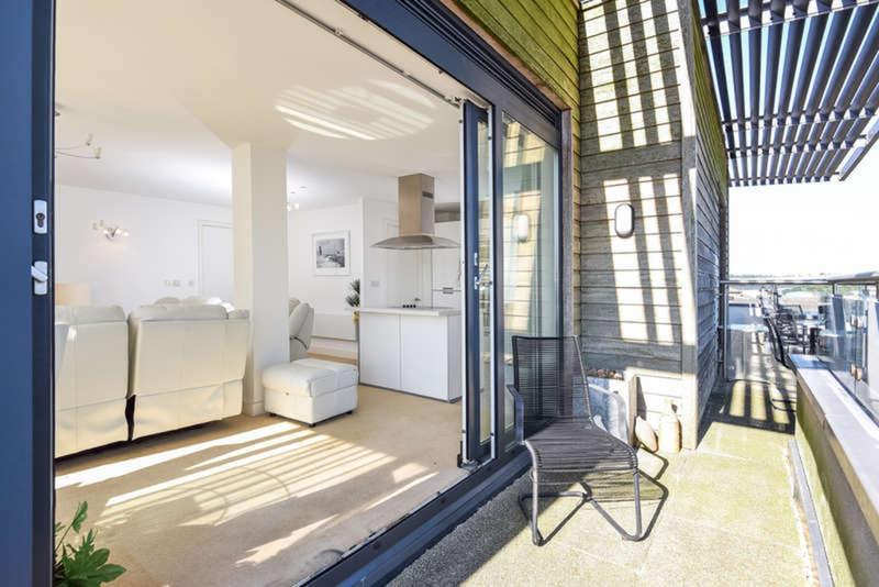 3 Bedrooms Flat for sale in Mistral, Ocean Village