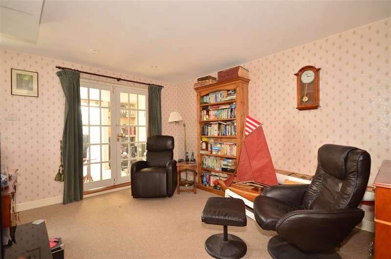 5 Bedrooms Bungalow for sale in Adelaide Place, Ryde, Isle of Wight