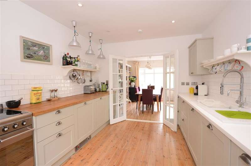 3 Bedrooms Detached House for sale in Falmer Road, Brighton, East Sussex