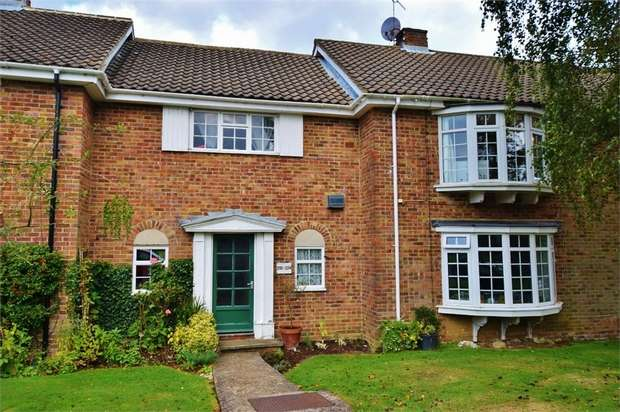 2 Bedrooms Flat for sale in Merry Hill Road, BUSHEY, Hertfordshire