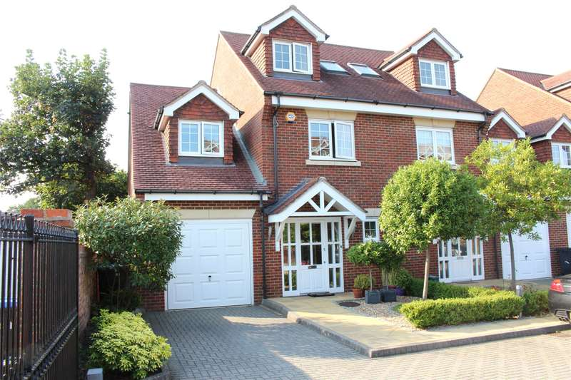 4 Bedrooms End Of Terrace House for sale in Mayhurst Mews, Mayhurst Avenue, Woking, Surrey, GU22