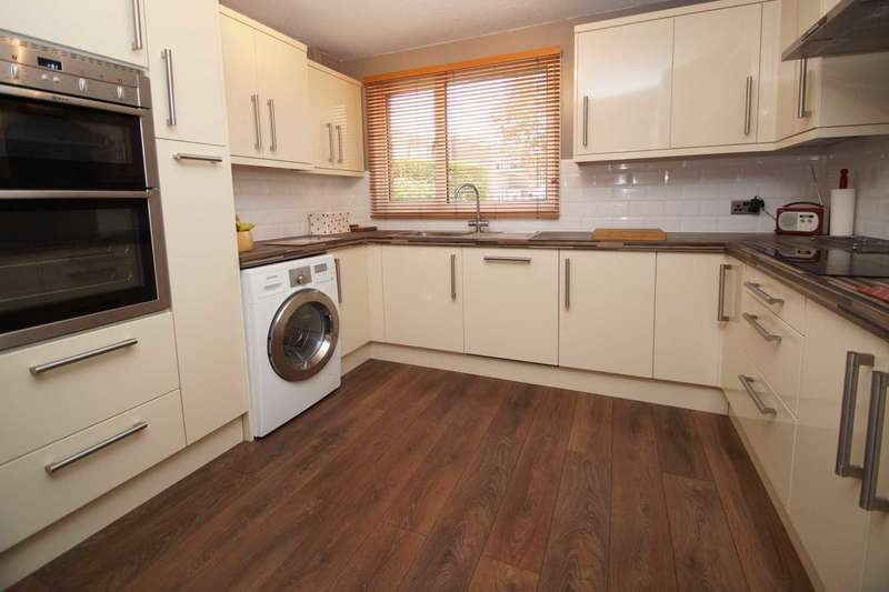 3 Bedrooms End Of Terrace House for sale in The Bounce, Hemel Hempstead