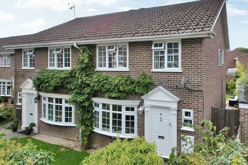 4 Bedrooms Semi Detached House for sale in Pinetrees Close, Copthorne, West Sussex