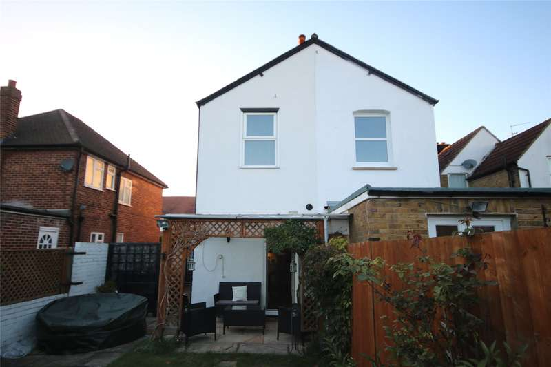 3 Bedrooms Semi Detached House for sale in Molesey Road, Hersham, Walton-on-Thames, Surrey, KT12