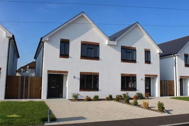 3 Bedrooms Semi Detached House for sale in Brackenbridge, Ruislip, Middlesex, HA4 0NF