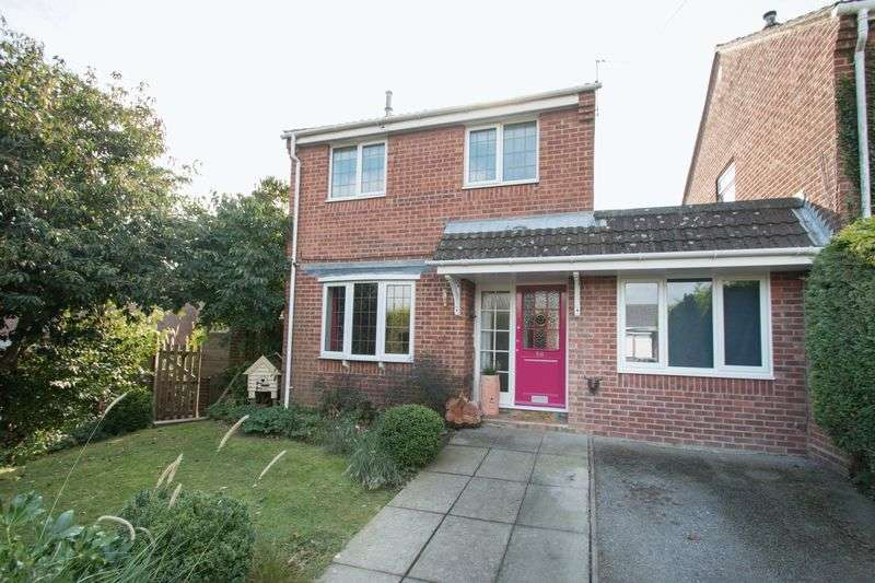 4 Bedrooms Detached House for sale in Windsor Road, Chichester