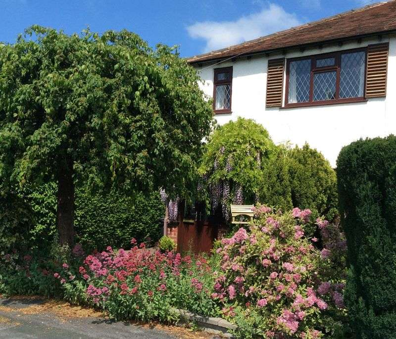 2 Bedrooms Semi Detached House for sale in POYNTON (OAK GROVE)