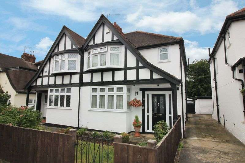 3 Bedrooms Semi Detached House for sale in Valley Hill, Loughton