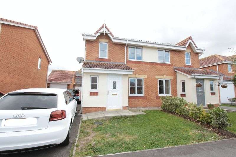 3 Bedrooms Semi Detached House for sale in Llys Bran, Prestatyn