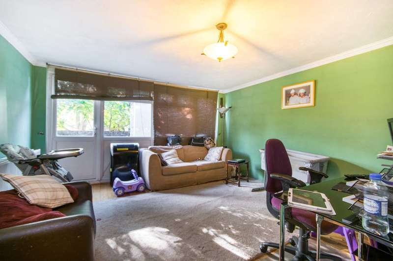 2 Bedrooms Flat for sale in Pennack Road, Peckham, SE15