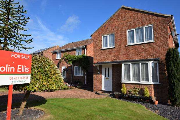 4 Bedrooms Detached House for sale in Lightfoots Close, Scarborough, North Yorkshire YO12 5NR