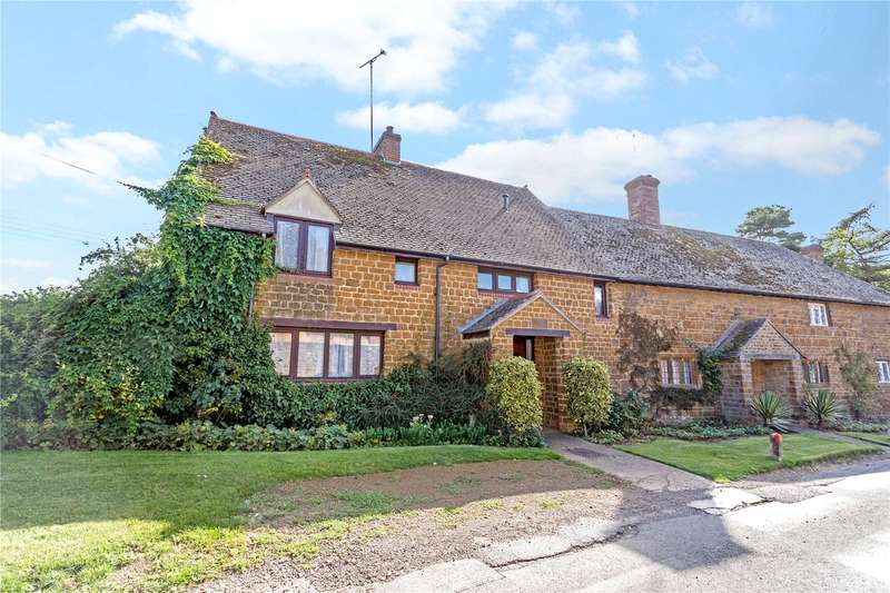 3 Bedrooms Semi Detached House for sale in Wigginton, Banbury, Oxfordshire, OX15