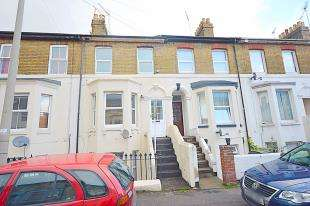 3 Bedrooms Maisonette Flat for sale in Avenue Road, Dover, Kent