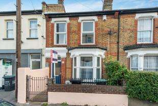 4 Bedrooms Terraced House for sale in Norfolk Road, Gravesend, Kent, Gravesend