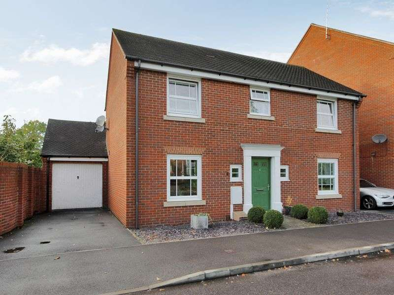 4 Bedrooms Detached House for sale in Hazelwick Mews, Three Bridges, Crawley, West Sussex