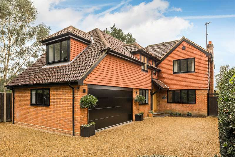 5 Bedrooms Detached House for sale in Cheapside, Horsell, Surrey, GU21