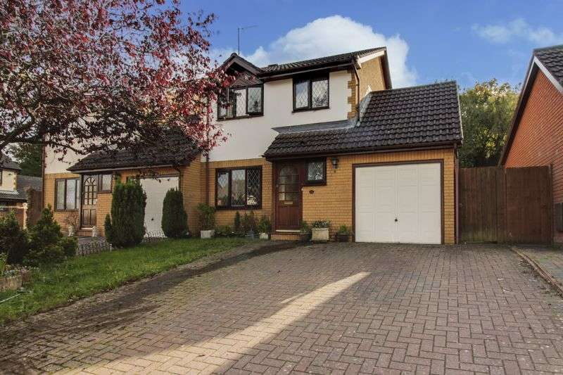 3 Bedrooms Detached House for sale in Blossom Close, Newport