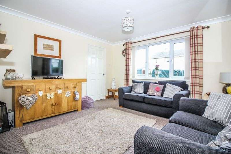 3 Bedrooms Semi Detached House for sale in Winscombe Court, Frome