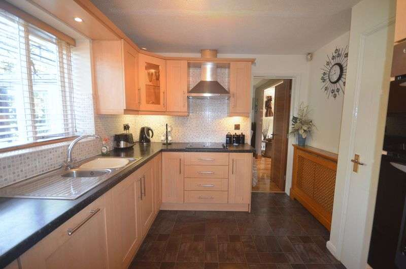 4 Bedrooms Detached House for sale in Woodstock Grove, WIDNES