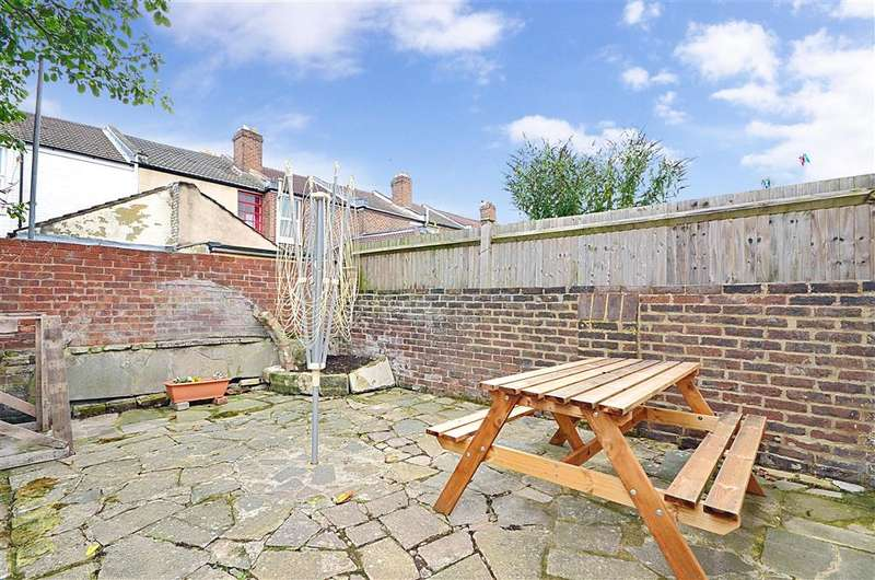 2 Bedrooms Terraced House for sale in Percy Road, Southsea, Hampshire