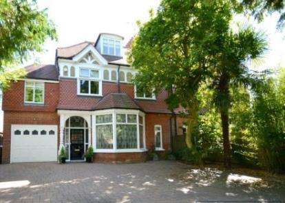 8 Bedrooms Semi Detached House for sale in Wellington Road, Enfield, Hertfordshire