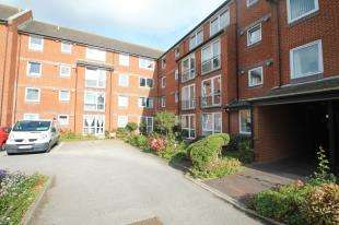 1 Bedroom Retirement Property for sale in Danny Sheldon House, Eastern Road, Brighton, East Sussex