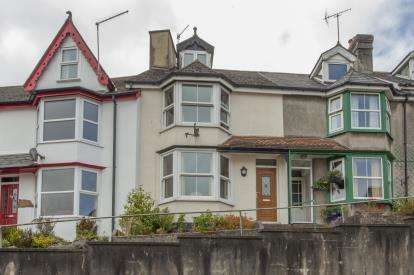 3 Bedrooms Terraced House for sale in Okehampton, Devon