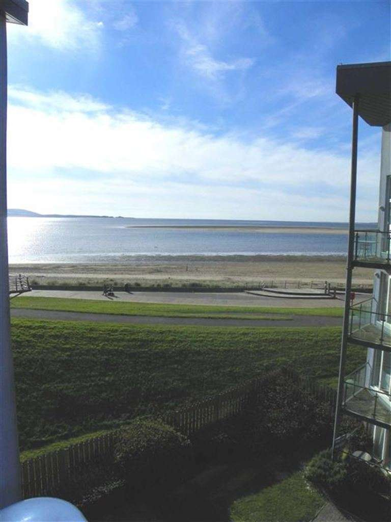 2 Bedrooms Flat for sale in Cwrt Cambria, Pentre Doc Y Gogledd, Llanelli