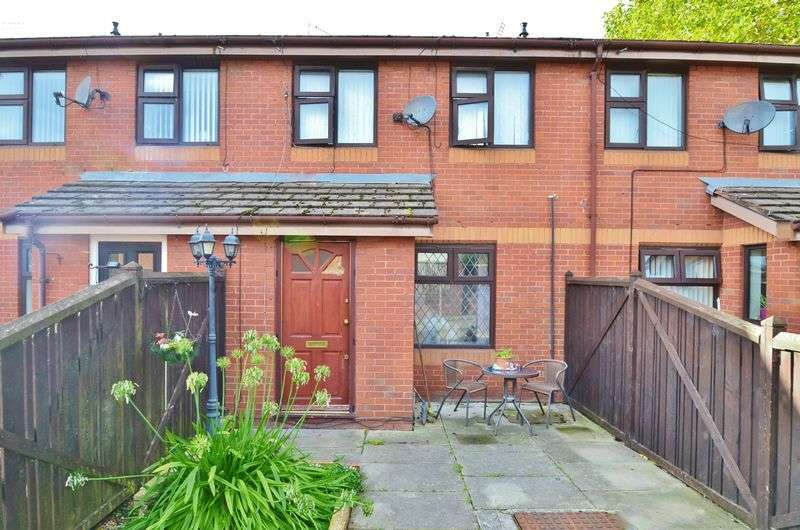 3 Bedrooms Terraced House for sale in Carmel Close, Salford