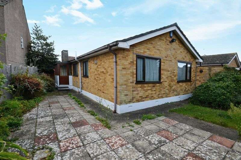 3 Bedrooms Detached Bungalow for sale in Darlington Drive, Minster