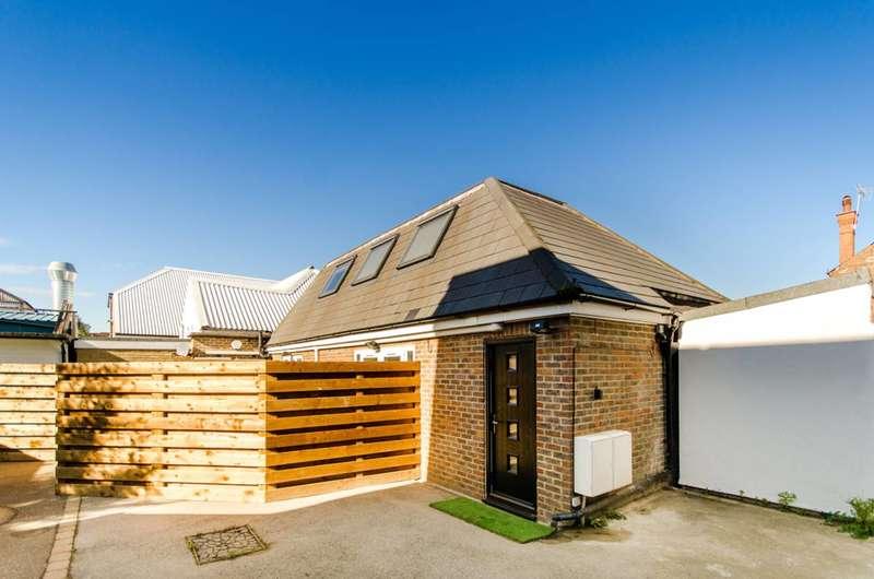 2 Bedrooms House for sale in Plantagenet Road, High Barnet, EN5