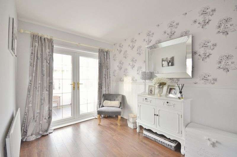 3 Bedrooms Terraced House for sale in Queens Crescent, Frizington
