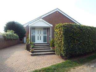 2 Bedrooms Bungalow for sale in Alexandra Road, Mayfield, East Sussex