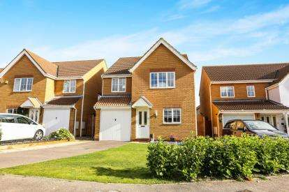 4 Bedrooms Detached House for sale in Pickering Close, Sandy, Bedfordshire, .