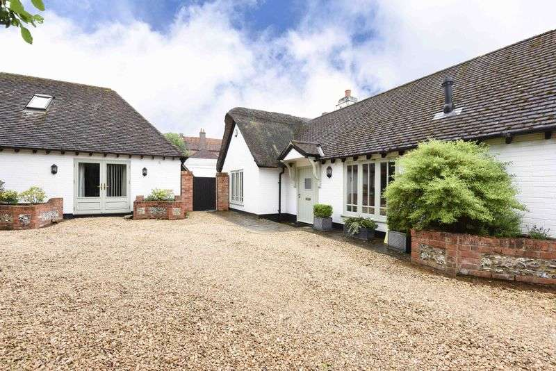 4 Bedrooms Semi Detached House for sale in Charnham Street, Hungerford