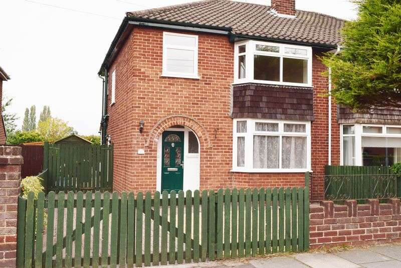3 Bedrooms Semi Detached House for sale in Western Avenue, Chester