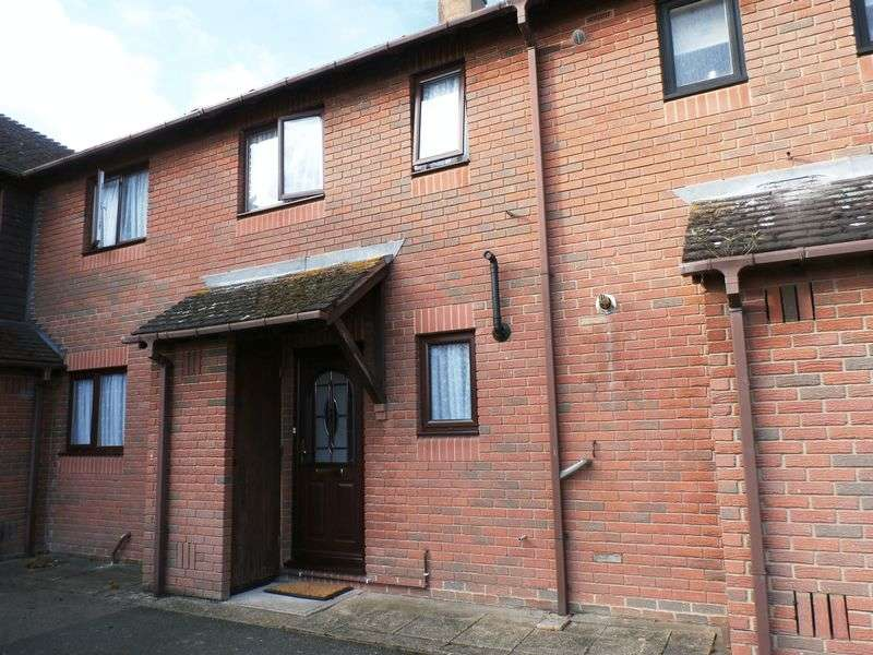 3 Bedrooms Terraced House for sale in Brightlingsea Road, Sandwich