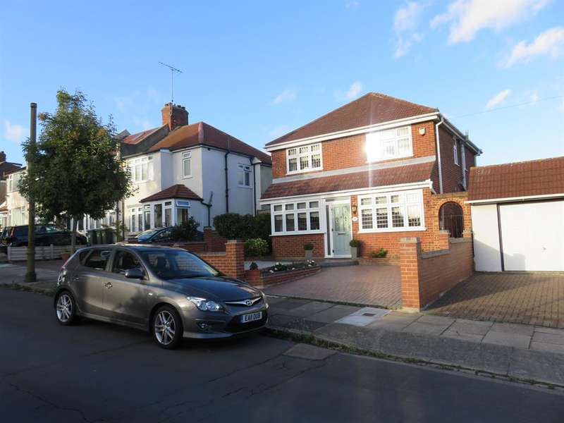 3 Bedrooms Detached House for sale in Raymere Gardens, Plumstead, London, SE18 2LB