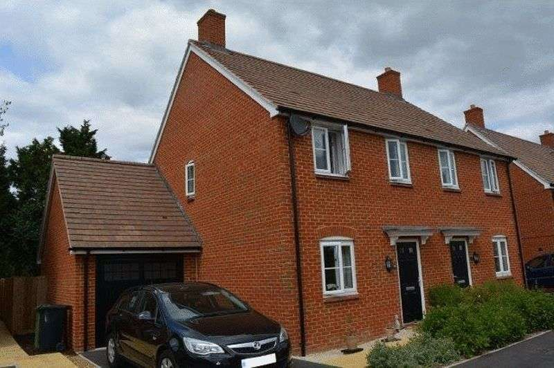 3 Bedrooms Semi Detached House for sale in Harrow Drive, Headley