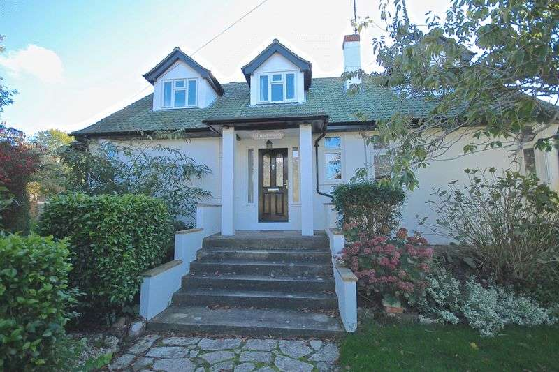 4 Bedrooms Detached Bungalow for sale in Upwey, Weymouth, DT3