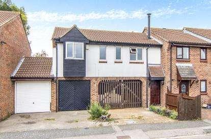 1 Bedroom Terraced House for sale in Tilbury, Essex, .