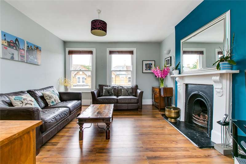 2 Bedrooms Flat for sale in Montrell Road, London, SW2