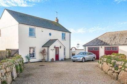 3 Bedrooms Detached House for sale in St. Buryan, Penzance, Cornwall