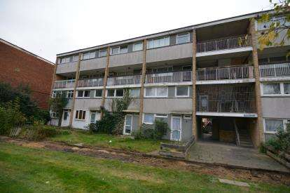 3 Bedrooms Maisonette Flat for sale in Basildon, Essex, United Kingdom
