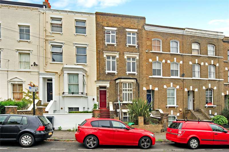 2 Bedrooms Flat for sale in Lambourn Road, London, SW4